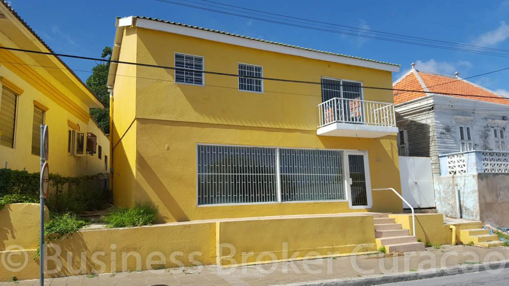 Beautiful property in Otrobanda as office or retail for rent