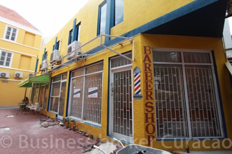 Commercial building, great investment property in Punda